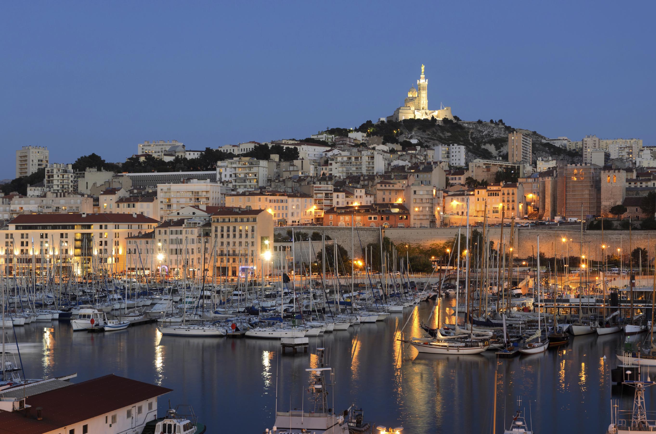 Marseille photo vacances arts guides voyages - Location vacances marseille vieux port ...